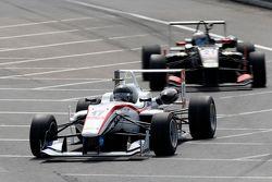 17 Julio Moreno, ThreeBond with T-Sport Dallara NBE, 21 Alexander Albon, Signature Dallara Volkswage