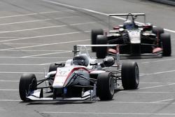 17. Julio Moreno, ThreeBond mit T-Sport, Dallara NBE, 21. Alexander Albon, Signature, Dallara Volksw