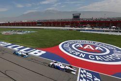 Helio Castroneves, Team Penske Chevrolet y Juan Pablo Montoya, Team Penske Chevrolet