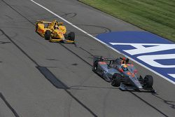 Ryan Hunter-Reay, Andretti Autosport Honda y James Jakes, Schmidt Peterson Motorsports