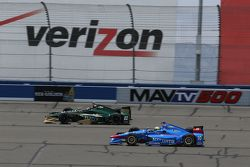 Ed Carpenter, CFH Racing Chevrolet and Tony Kanaan, Chip Ganassi Racing Chevrolet