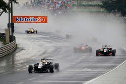 7 Charles Leclerc, Van Amersfoort Racing Dallara Volkswagen et 21 Alexander Albon, Signature Dallara Volkswagen