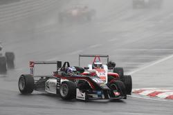19 Matt Solomon, Double R Racing Dallara Mercedes-Benz and 14 Matthew Rao, Fortec Motorsports Dallar