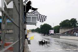 Ganador de la Carrera 1, Charles Leclerc, Van Amersfoort Racing Dallara Volkswagen