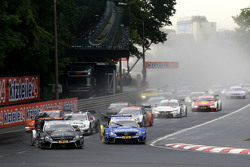 Start of the Race, Christian Vietoris, HWA AG Mercedes-AMG C63 DTM leads