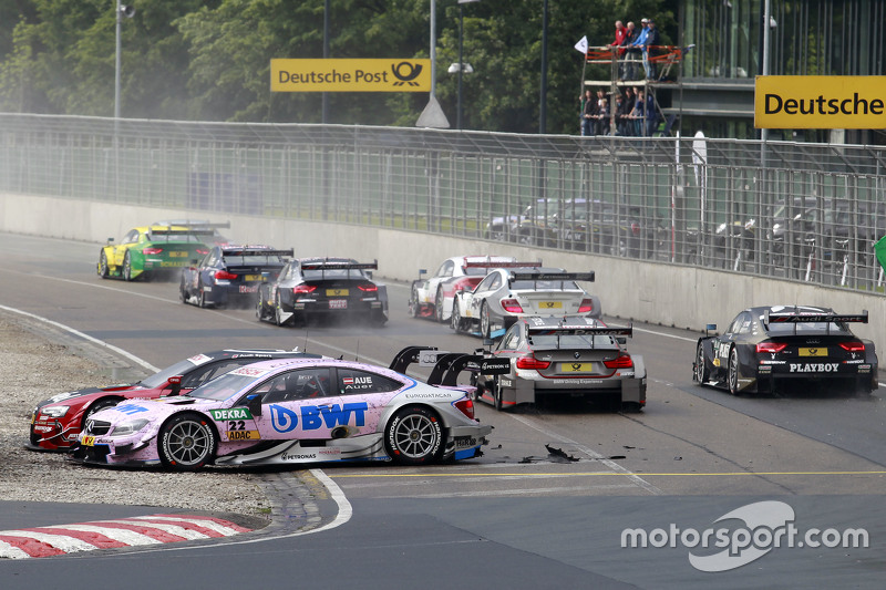 Мігель Моліна, Audi Sport Team Abt Audi RS 5 DTM та Лукас Ауер, ART Grand Prix Mercedes-AMG C63 DTM