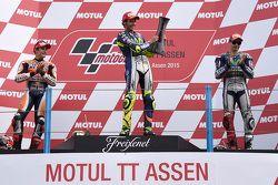 Podyum: Yarış galibi Valentino Rossi, ikinci Marc Marquez, üçüncü Jorge Lorenzo