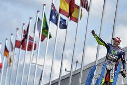 Yarış galibi Valentino Rossi, Yamaha Fabrika Takımı