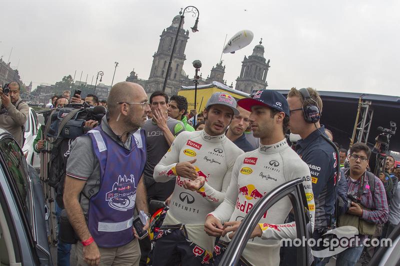 Carlos Sainz Jr. Red Bull Racing y Daniel Ricciardo, Red Bull Racing