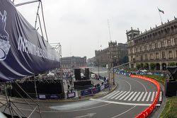 Vista general del Red Bull Showrun en la Ciudad de México