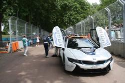 BMW i8 auto de seguridad