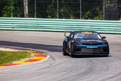 #11 Blackdog Speed Shop, Chevrolet Z28: Tony Gaples