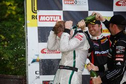 Yarış galibi #16 Bentley Takımı Dyson Racing Bentley Continental GT3: Chris Dyson
