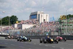 30 Ilott Callum, Carlin Dallara Volkswagen y 8 Alessio Lorandi, Van Amersfoort Racing Dallara Volksw