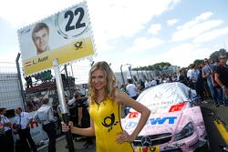 Gridgirl of Lucas Auer, ART Grand Prix Mercedes-AMG C63 DTM