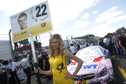 Gridgirl of Lucas Auer, ART Grand Prix Mercedes-AMG C63 DTM