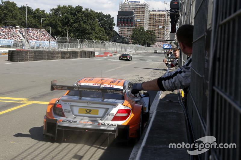 Winner Robert Wickens, HWA AG Mercedes-AMG C63 DTM