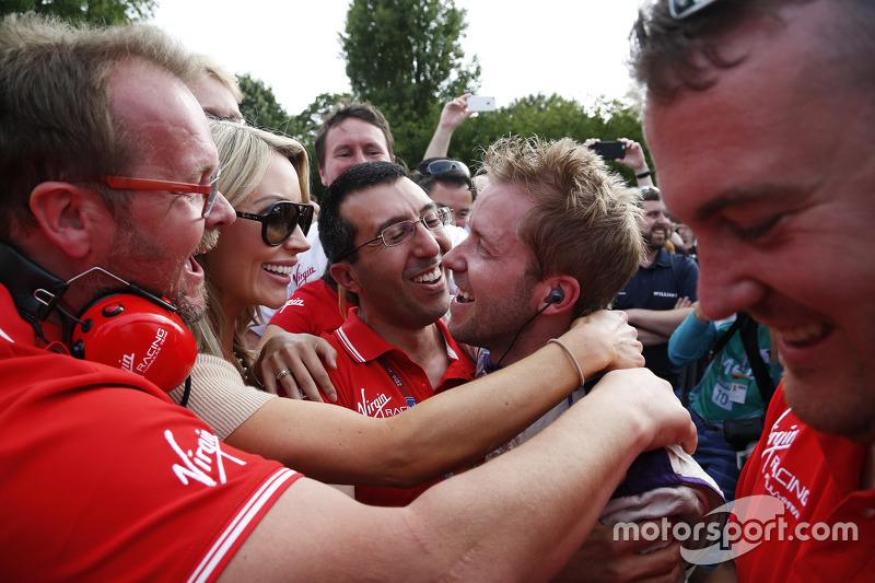 Победитель гонки - Сэм Берд, Virgin Racing