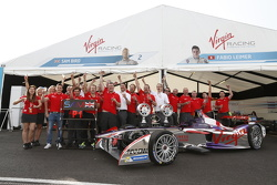 Fabio Leimer y Sam Bird, Virgin Racing