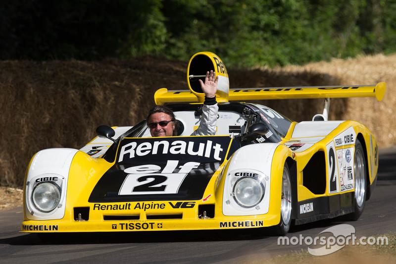 René Arnoux im Renault Alpine A442