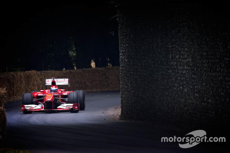 Марк Жене in a Ferrari F1