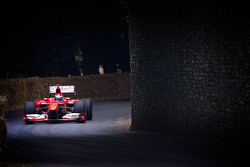Marc Gene en un Ferrari F1