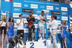 Подиум: победитель гонки Хосе-Мария Лопес, Citroën C-Elysée WTCC, Citroën World Touring Car team, вт