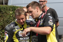 Chris Walker, Tommy Hill
