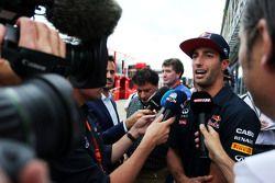 Daniel Ricciardo, Red Bull Racing with the media.