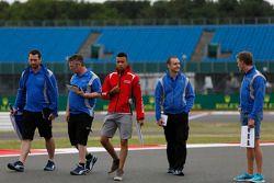 Jann Mardenborough et Mitch Gilbert, Carlin marchent sur la piste