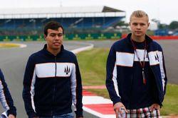 Oscar Tunjo et Artur Janosz, Trident marchent sur la piste