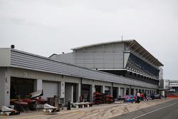 De GP2 pitlane