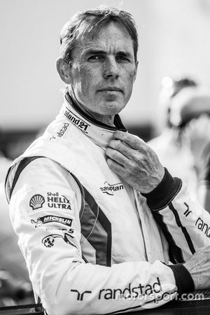 #26 Marc VDS Racing BMW Z4 GT3: Dirk Adorf