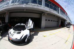 #55 Attempto Racing McLaren 650 S GT3: Роб Белл, Кевин Эстре