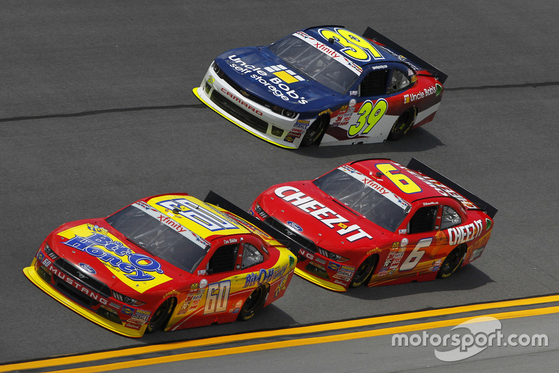 Chris Buescher, Roush Fenway Racing, Ford; Darrell Wallace jr., Roush Fenway Racing, Ford, und Ryan