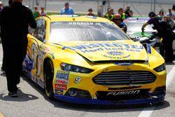 Mobil yang rusak milik Sam Hornish Jr., Richard Petty Motorsports Ford