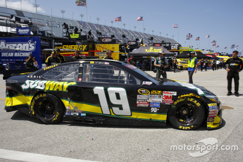 Das Unfallauto von Carl Edwards, Joe Gibbs Racing, Toyota
