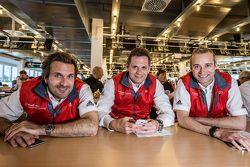 Phoenix Racing: Markus Winkelhock, Marc Basseng, dan Christopher Haase