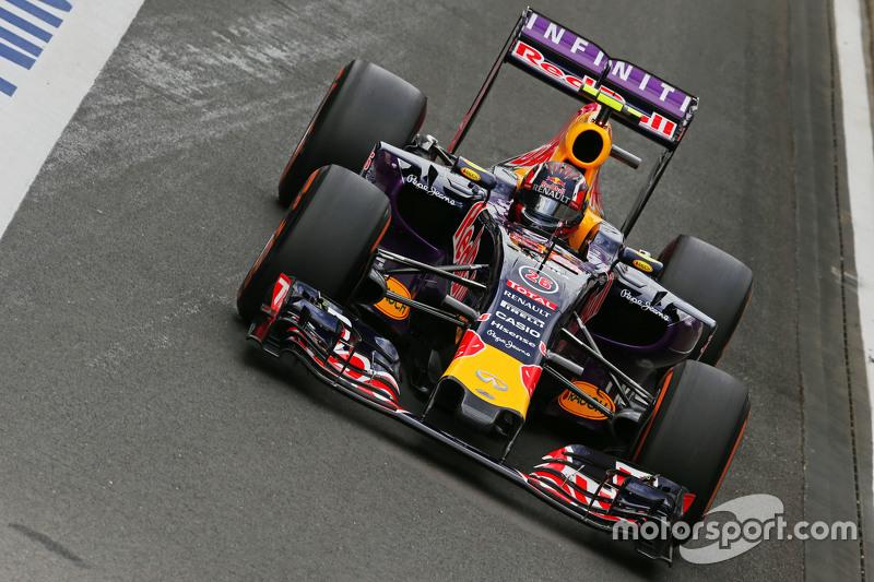 2015 год: в субботней тренировке на Red Bull Racing RB11