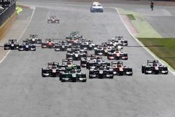 Largada: Richie Stanaway, Status Grand Prix lidera
