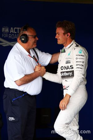 Nico Rosberg, Mercedes AMG F1 celebrates his second position in qualifying parc ferme with Pat Behar
