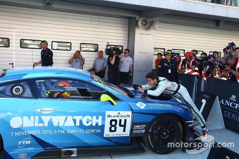 Para juara balapan #84 Bentley Team HTP Bentley Continental GT3: Maximilian Buhk, Vincent Abril