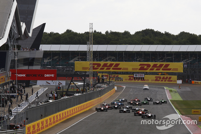 Marvin Kirchhofer, ART Grand Prix memimpin Emil Bernstorff, Arden International di start