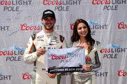 Ganador de la Pole Daniel Suarez, Joe Gibbs Racing Toyota
