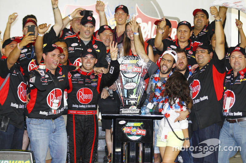 El ganador de la carrera, Austin Dillon, Richard Childress Racing Chevrolet