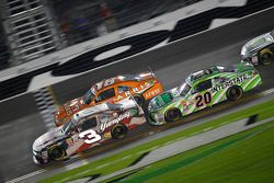 Ty Dillon, Richard Childress Racing Chevrolet, Daniel Suarez, Joe Gibbs Racing Toyota and David Raga