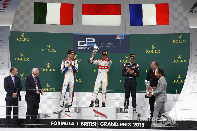 Podium: winner Rio Haryanto, Campos Racing, second place Raffaele Marciello, Trident, third place Pierre Gasly, DAMS