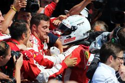 Sebastian Vettel, Ferrari comemora a terceira colocação no Parque Fechado
