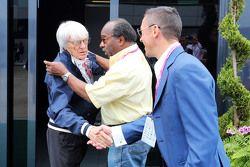 Bernie Ecclestone and Everett Souratt and Frankie Dettori
