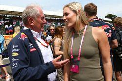 Dr. Helmut Marko, Red Bull Motorsport, Berater, mit Lindsey Vonn, Skifahrerin, in der Startaufstellung